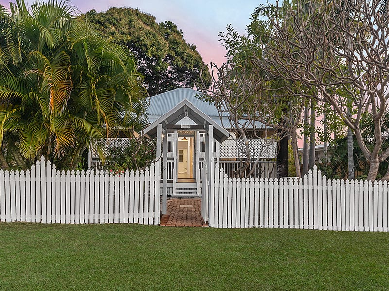8 Plant Street, West End, Qld 4810