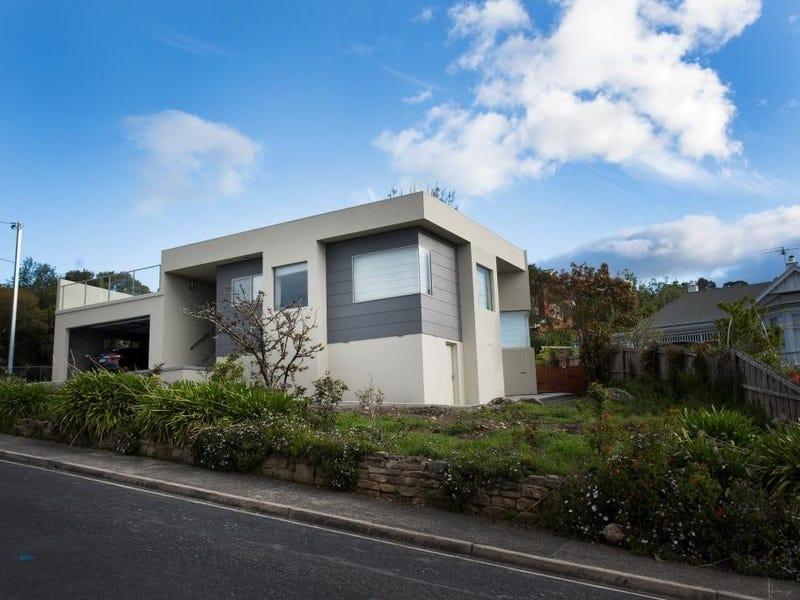 8 Balfour Court, Sandy Bay, Tas 7005