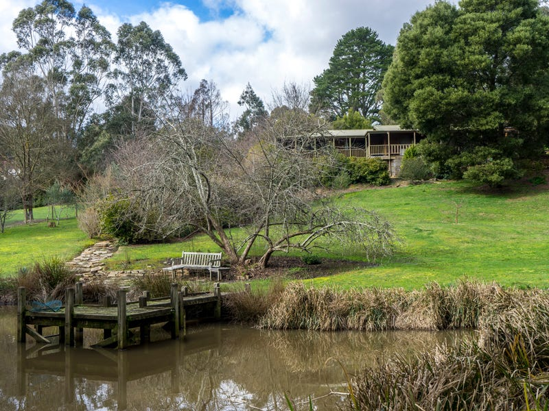 1055 Greendale-Trentham Road, Blackwood, Vic 3458