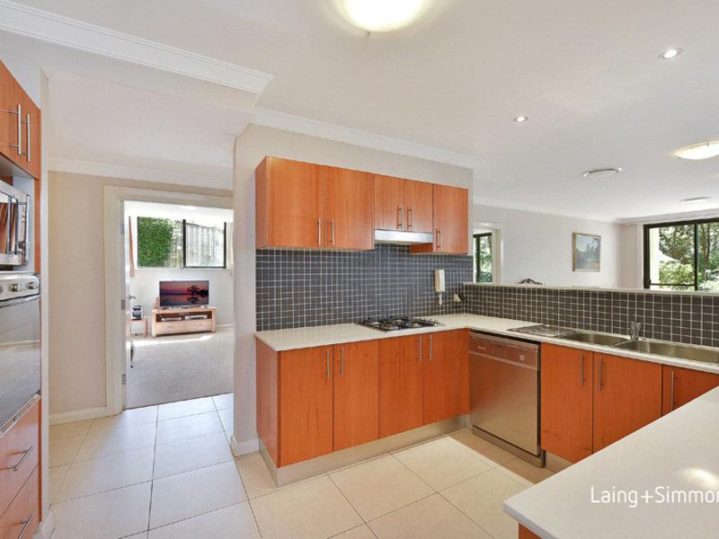 2/14  Fraser Road, Normanhurst, NSW 2076