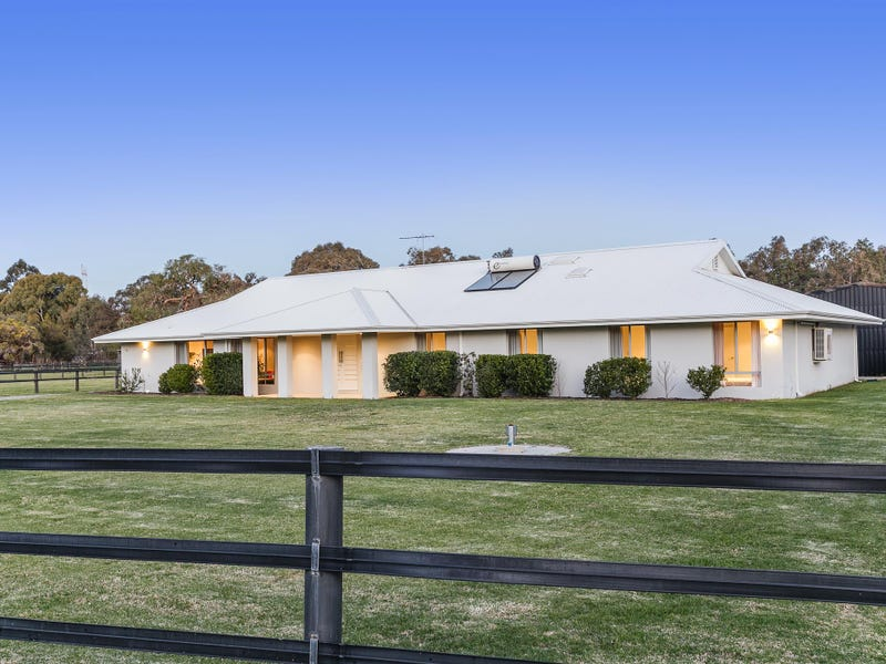 45 Blair Road, Oakford, WA 6121
