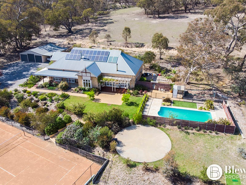72 Montague Place, Googong, NSW 2620
