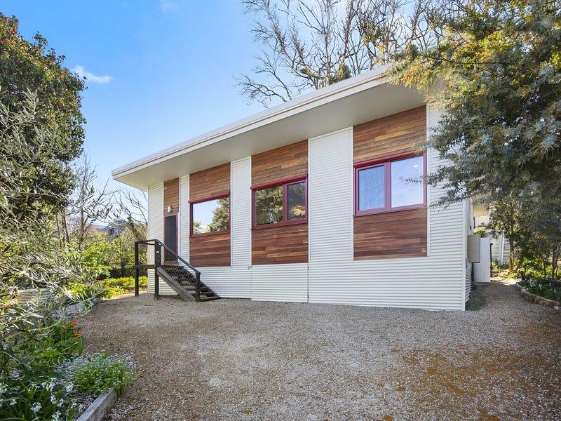 2A Swiss Mount Avenue, Hepburn Springs, Vic 3461