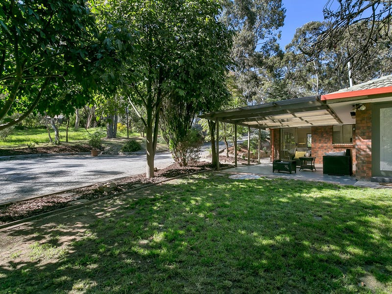 82 Emmett Road, Crafers West, SA 5152