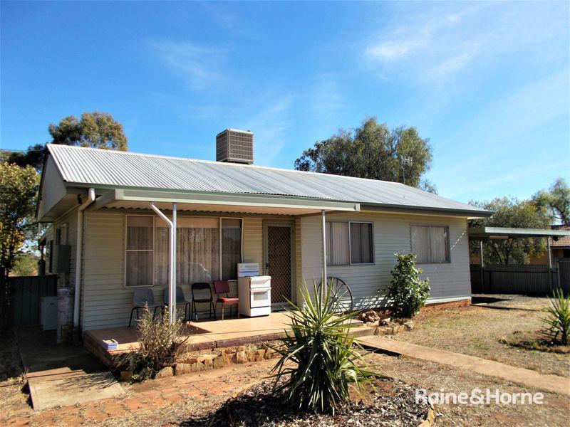 68 Warrah Street, Peak Hill, NSW 2869