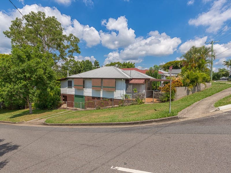 33 Brown Parade, Ashgrove, Qld 4060