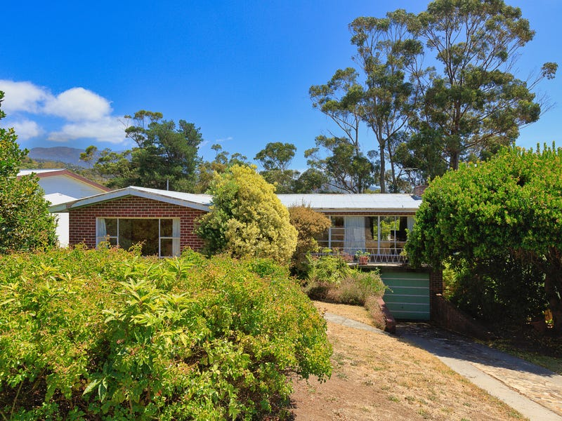 55 Derwentwater Avenue, Sandy Bay, Tas 7005