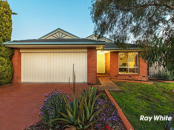 16 Elanora Way, Hampton Park, Vic 3976