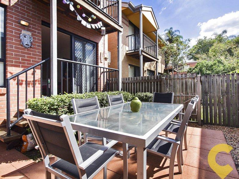 2/33 Alva Terrace, Gordon Park, Qld 4031