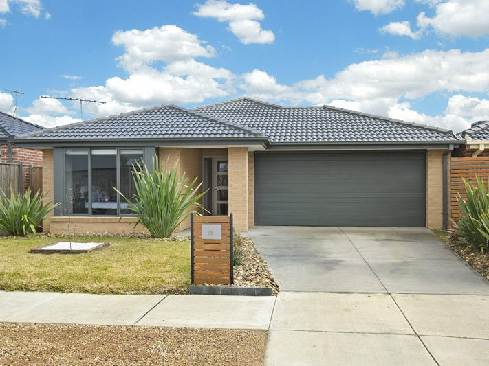 52 BLUE LAKE DRIVE, Wallan, Vic 3756