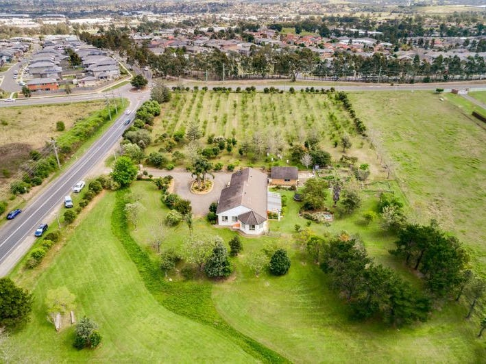 127 Eagleview Road, Minto, NSW 2566