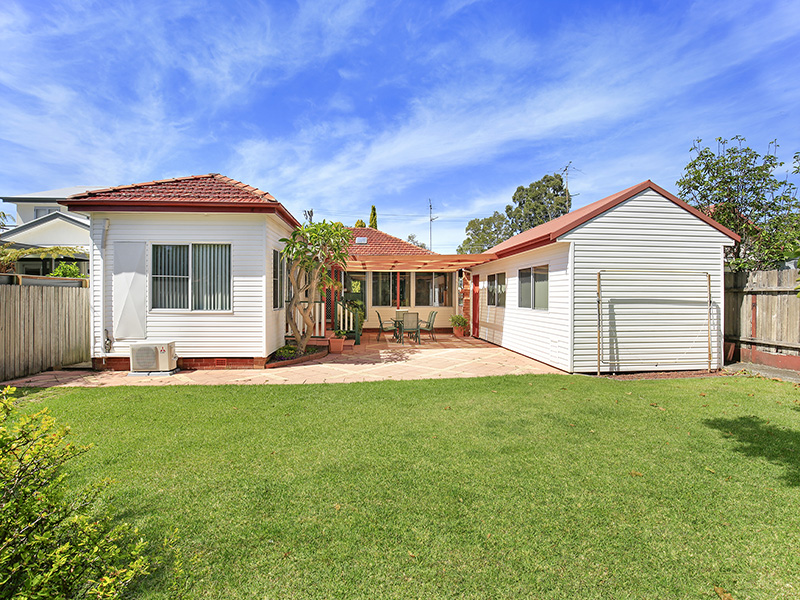 8 Cabbage Tree Lane, Fairy Meadow, NSW 2519