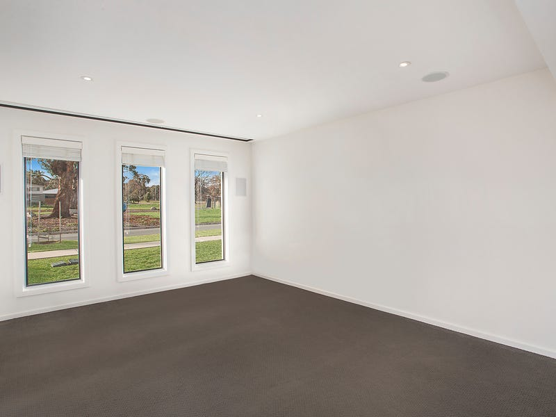 25 Eric Wright Street, Forde, ACT 2914