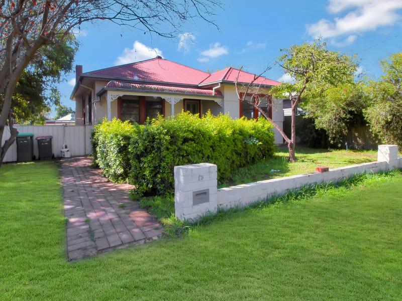 19 Sullivan Avenue, Wagga Wagga, NSW 2650