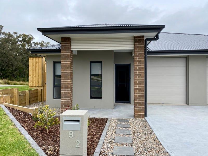 2/9 Kurrabung Drive, Fletcher, NSW 2287