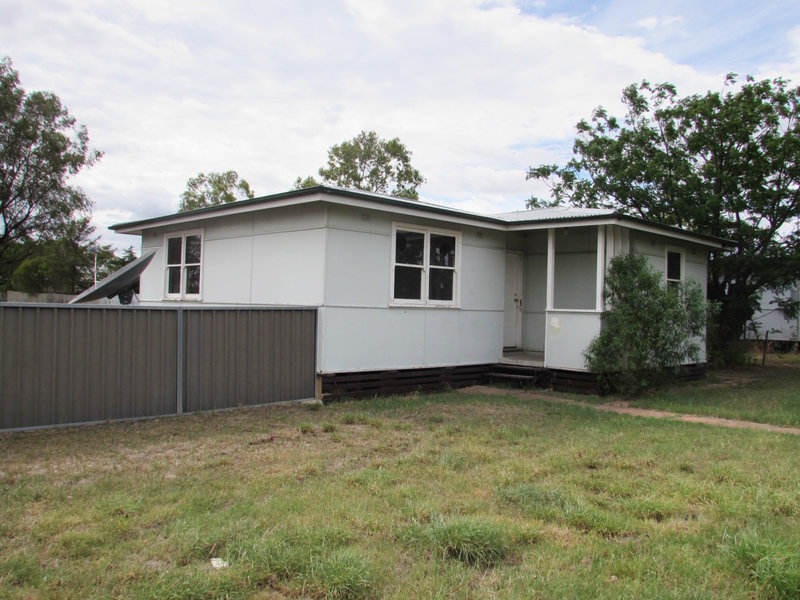 8 Bridge St, Brewarrina, NSW 2839