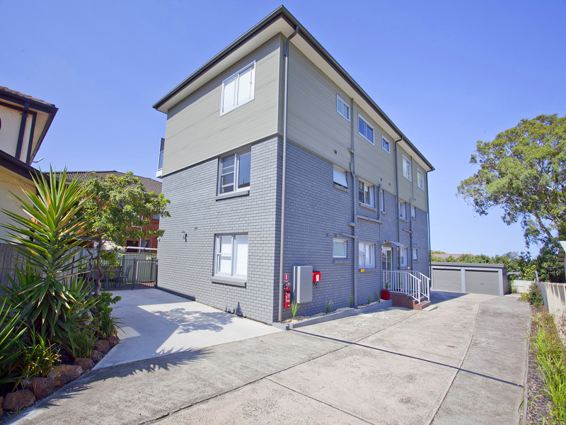 4/15 Myrtle Street, Coniston, NSW 2500