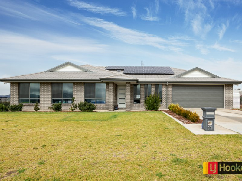 11 Glenmore Drive, Moore Creek, NSW 2340