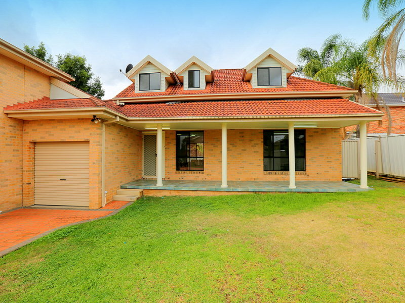 1/19 Balmoral Crescent, Georges Hall, NSW 2198