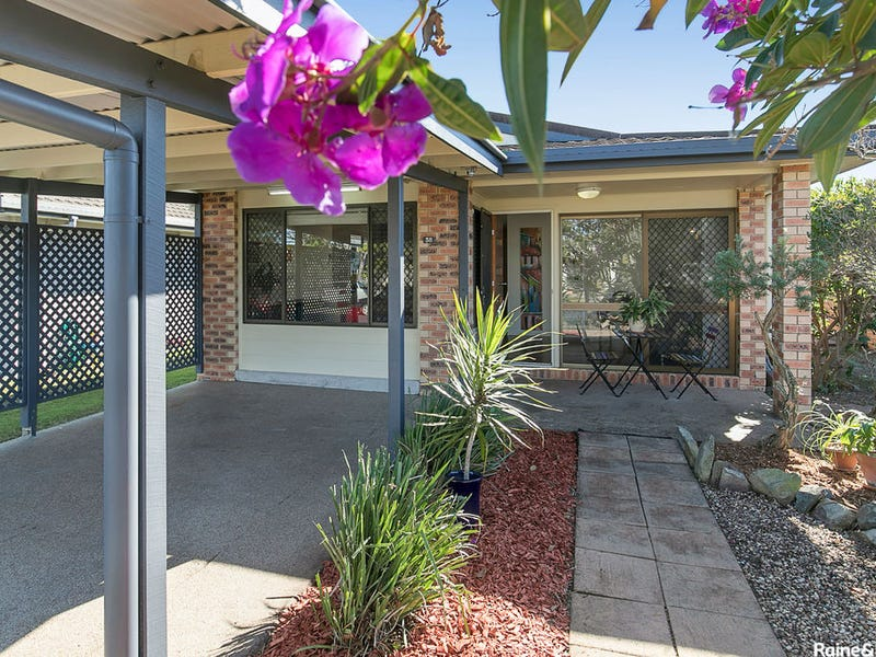 38 Campbell Street, Scarborough, Qld 4020