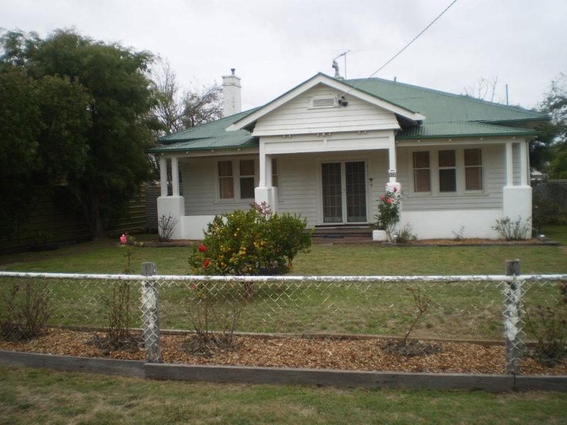 11 Ayrey Street, Willaura, Vic 3379