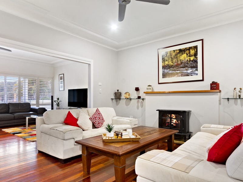 313 Pacific Highway, Belmont North, NSW 2280