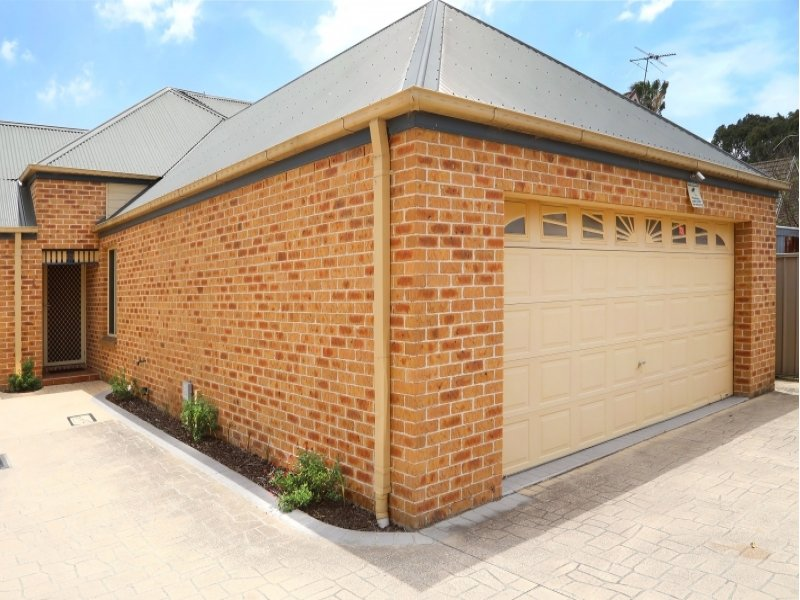 2/13 Moray  Street, Richmond, NSW 2753