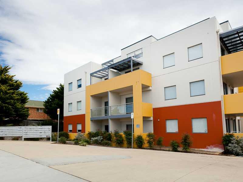 15a/17 Uriarra Road, Queanbeyan, NSW 2620