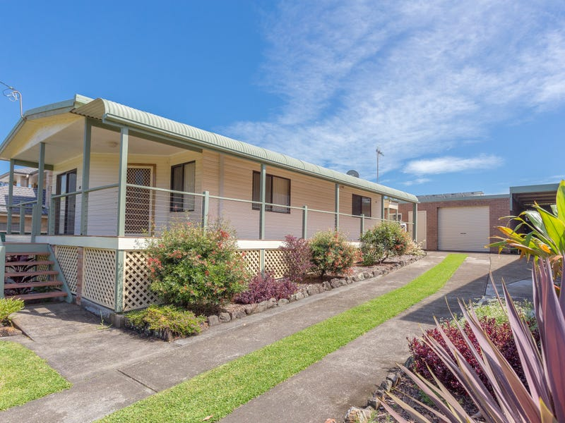 48 Saltwater Crescent, Diamond Beach, NSW 2430