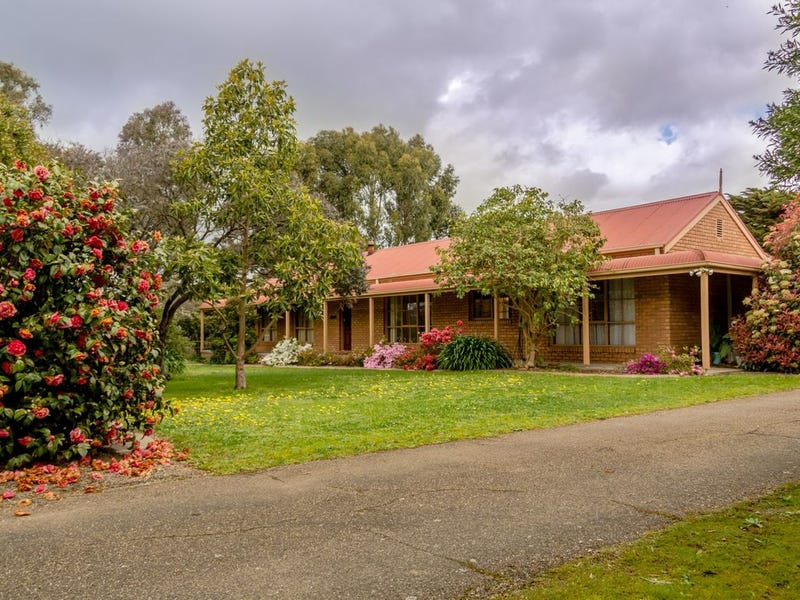 76 Eagle Point Road, Eagle Point, Vic 3878