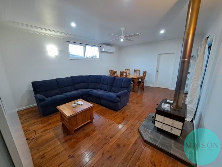 Rooms / 4 Englund Street, Birmingham Gardens, NSW 2287