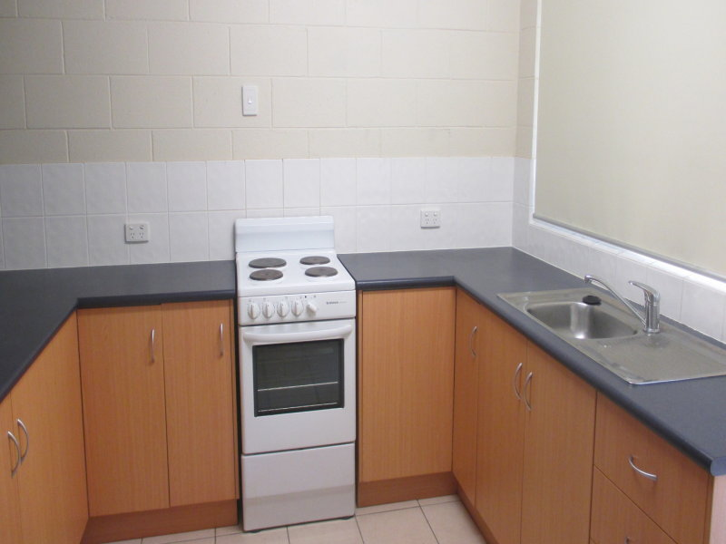 2/39 Armstrong Street, Hermit Park
