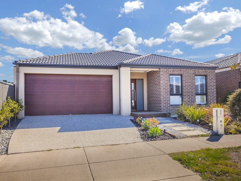 3 Allerton Way, Roxburgh Park, Vic 3064
