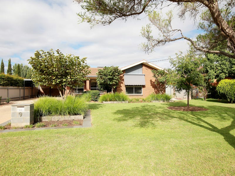 9 Geneva Crescent, Lake Albert, NSW 2650