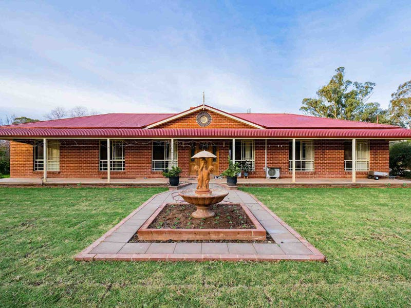 142 Goldfields Way, Temora, NSW 2666