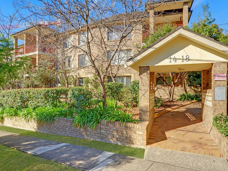 24/14-18 Water Street, Hornsby, NSW 2077