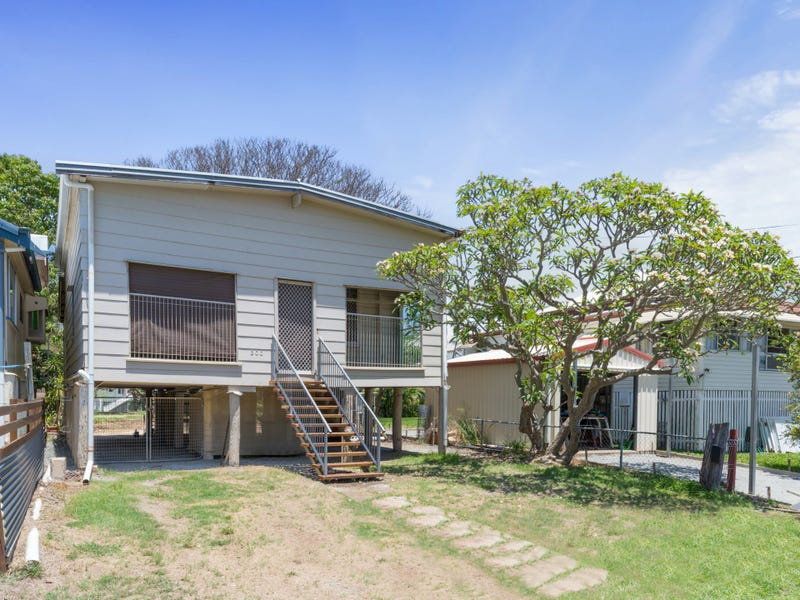 300 East Street, Depot Hill, Qld 4700