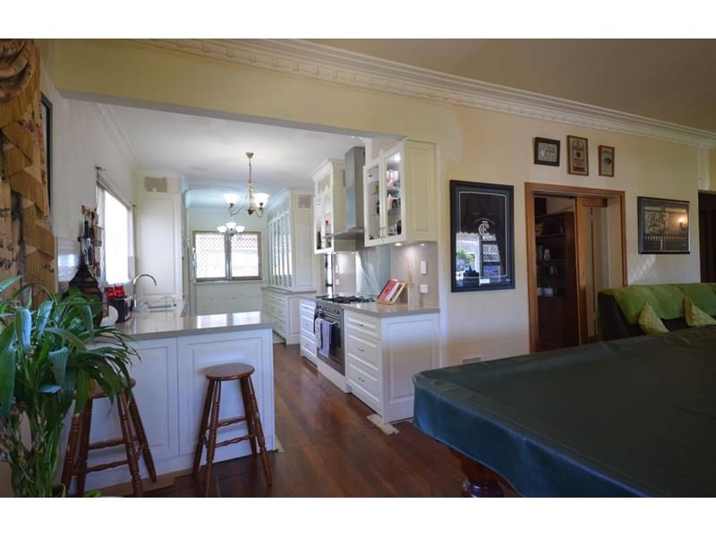 Real Estate & Property For Rent With 4 Bedrooms In