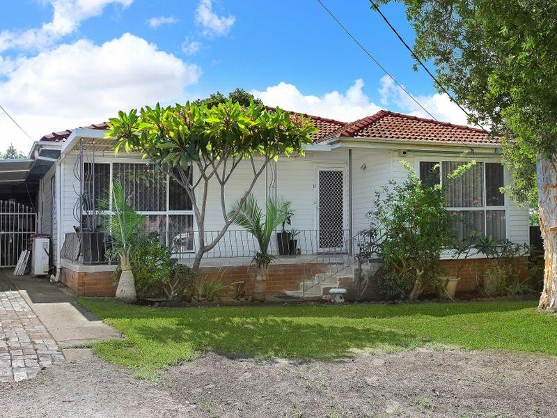 11 Noelene Street, Fairfield West, NSW 2165