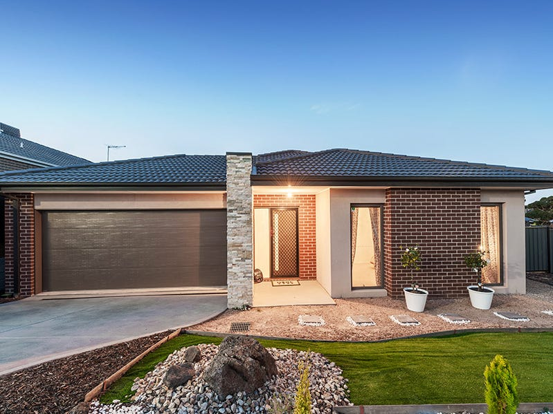4 Iron Bridge Road, Craigieburn, Vic 3064