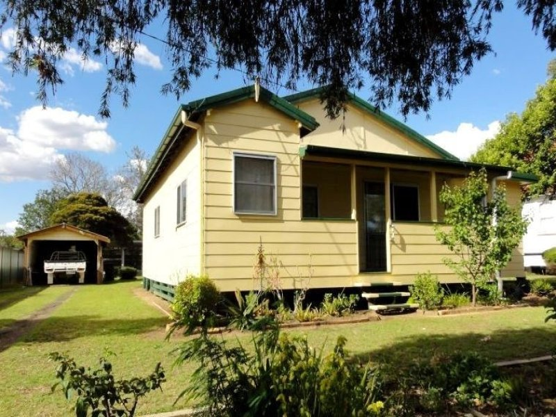 53 Geraghty Street, Cecil Plains, Qld 4407