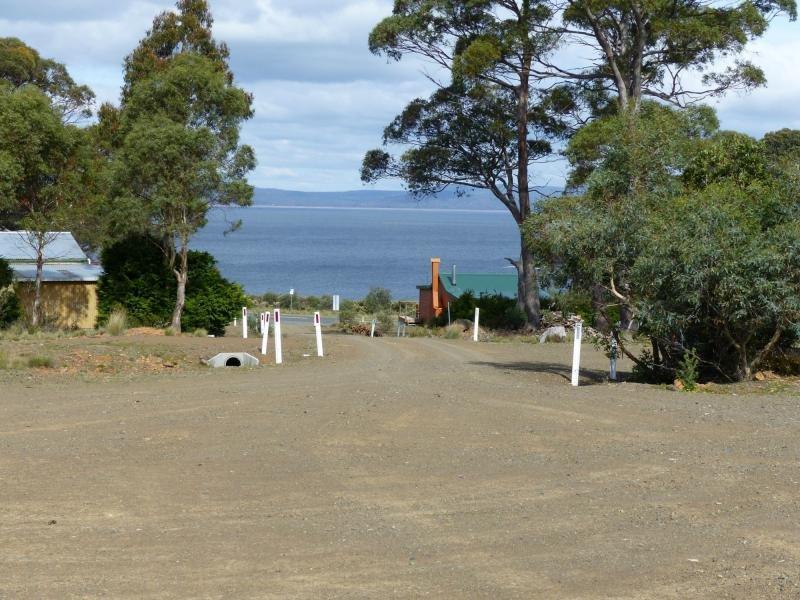 13 Johnstone Road, Doctors Point, Tas 7304