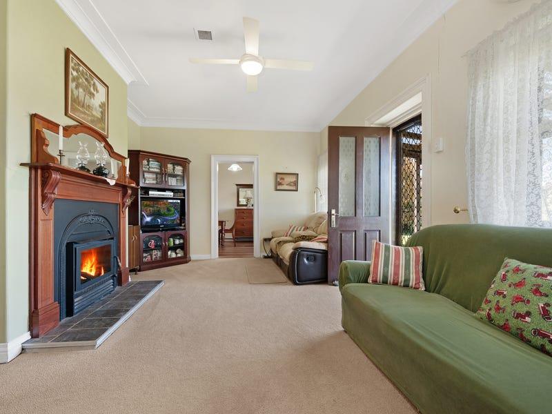 379 Webbers Creek Road, Paterson, NSW 2421