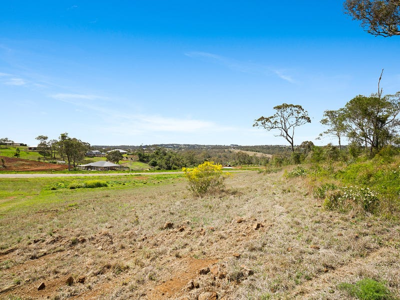 18 Colonial Drive, Gowrie Junction, Qld 4352