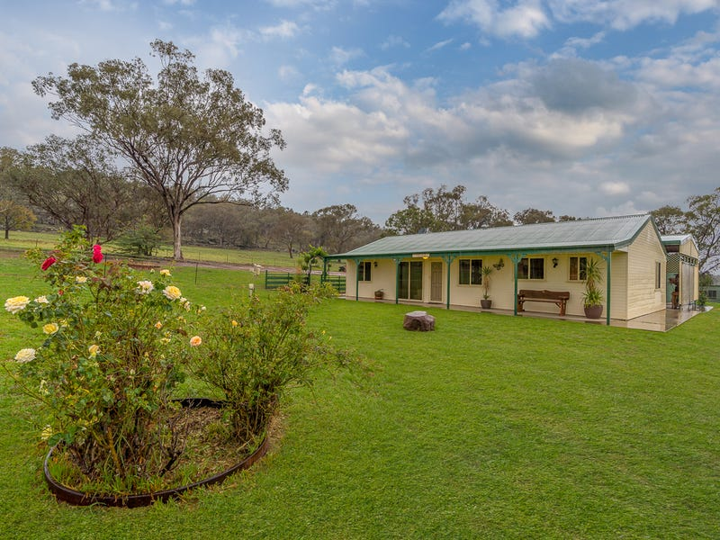 97 Pecks Road, Molong, NSW 2866