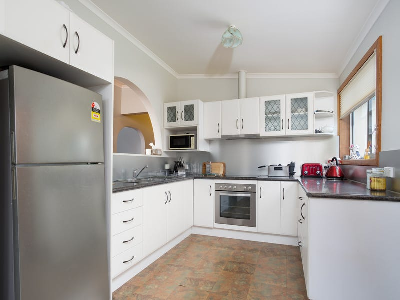 146 Charles Street, Beauty Point, Tas 7270