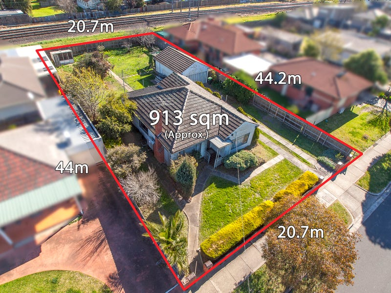 Property Auction Today In Glenroy Vic