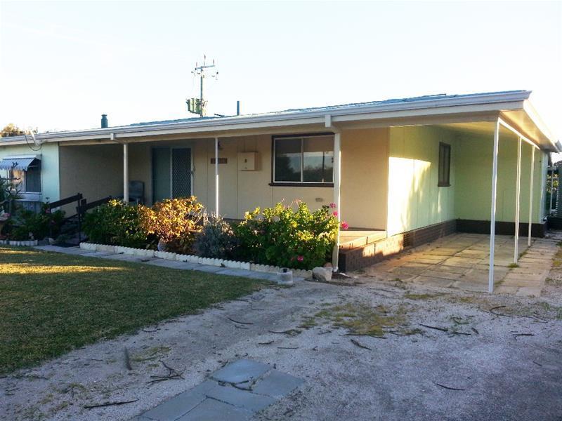 8 Whitfield Road, Jurien Bay, WA 6516