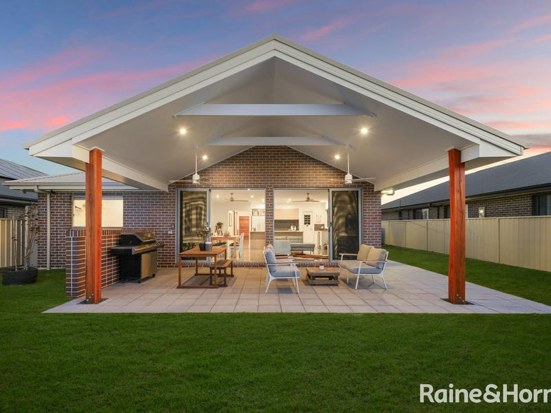 18 Brassia Rise, South Nowra, NSW 2541