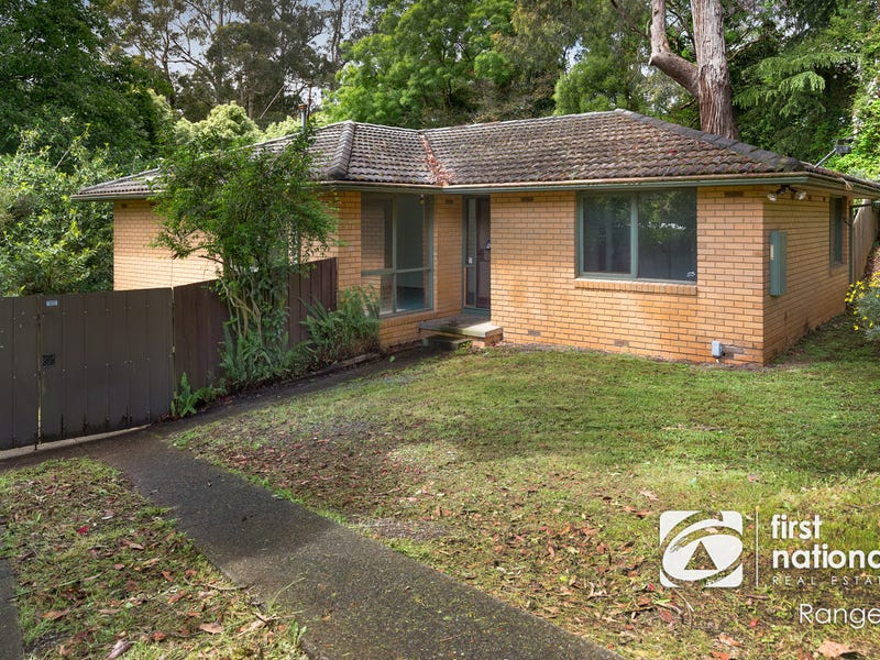 13 Neville Street, Cockatoo, Vic 3781